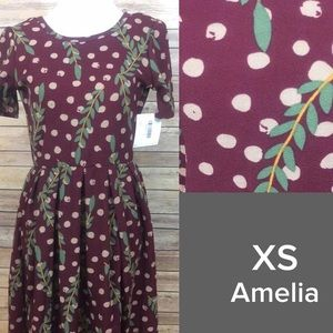 *NWT* LuLaRoe Amelia - Small
